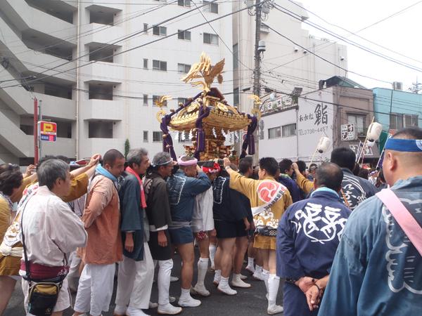 宮神輿渡御スタート1