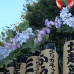 塚越御嶽神社の神輿9(神輿の上の花)