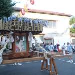 塚越御嶽神社の神輿8(社務所と神輿)