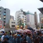 武蔵小山両社祭 駅前で雨2