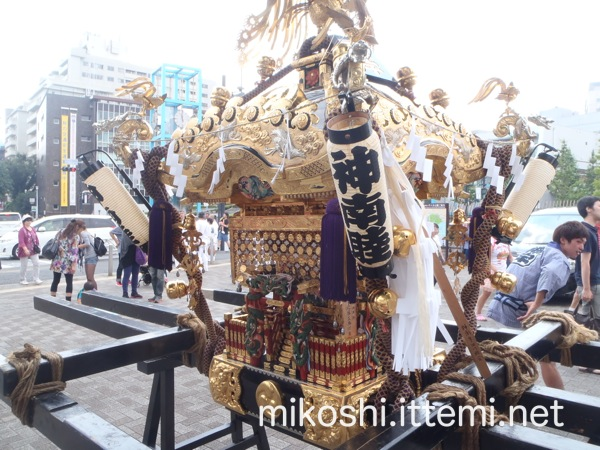 北谷稲荷神社の神輿