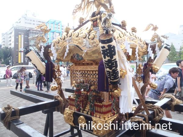 北谷稲荷神社の神輿3