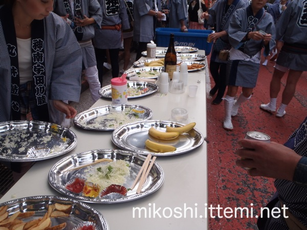 北谷稲荷神社神輿 西武渋谷前