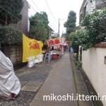 伊富・久富稲荷神社の長い参道3