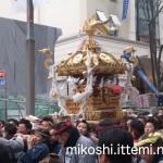奉祝パレードの神輿5
