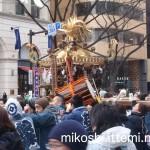 奉祝パレードの神輿6