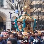 奉祝パレードの神輿7