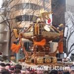 奉祝パレードの神輿8