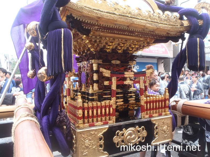 福住の神輿2(接写)