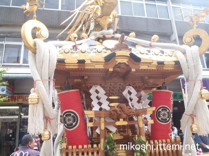 厚木輿睦會の神輿(横)