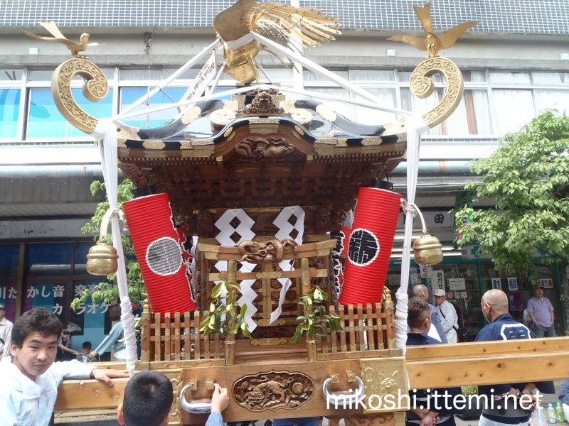 厚神會の神輿(横)