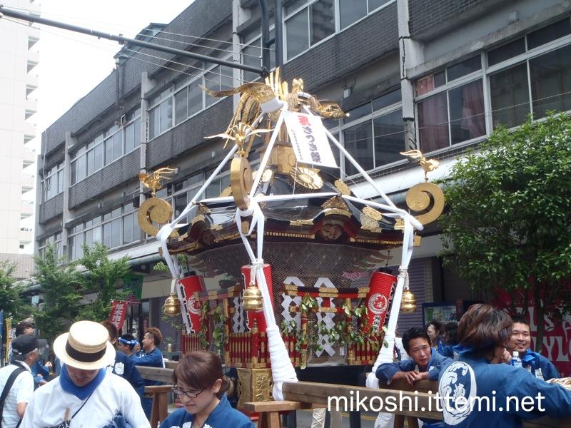 湘南連合神輿保存會の神輿(正面)
