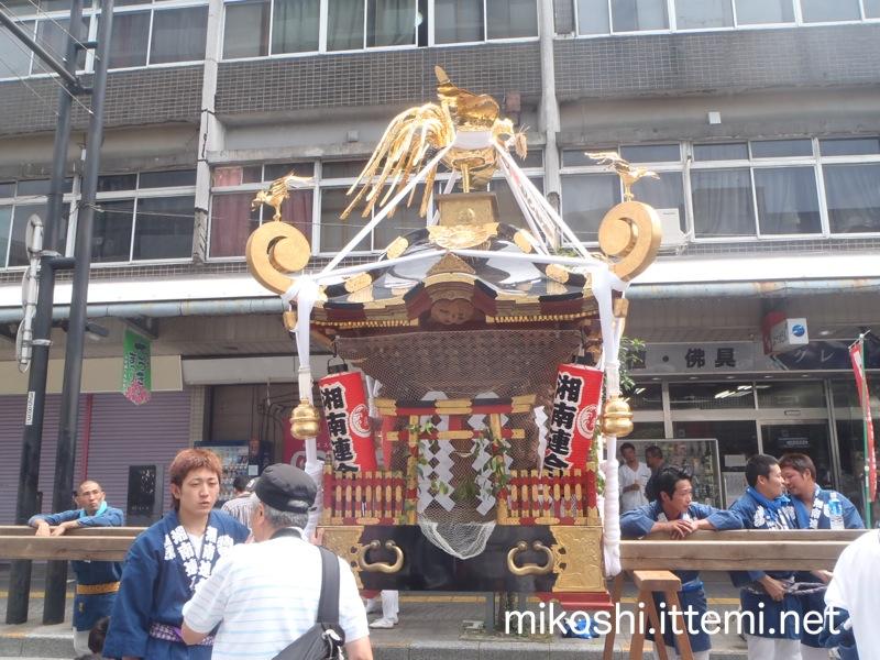 湘南連合神輿保存會の神輿(横)