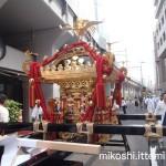 湯島天満宮例大祭 本社神輿(正面)