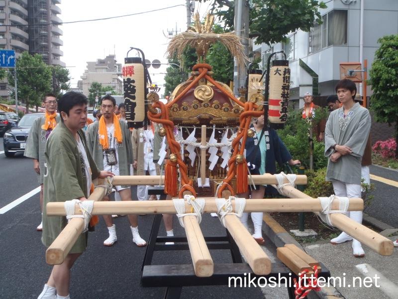 大森浅間神社の神輿2